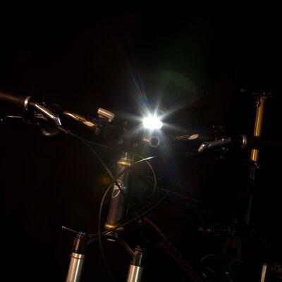 Perel Lampka rowerowa z akumulatorem i czujnikiem, 3,7 V
